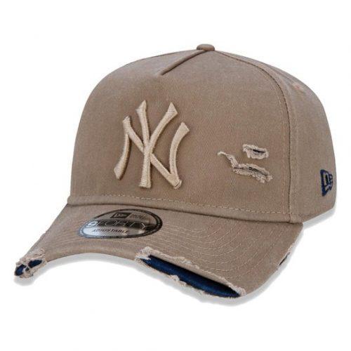 Boné Truker Yankees Destroyed Bege – New Era